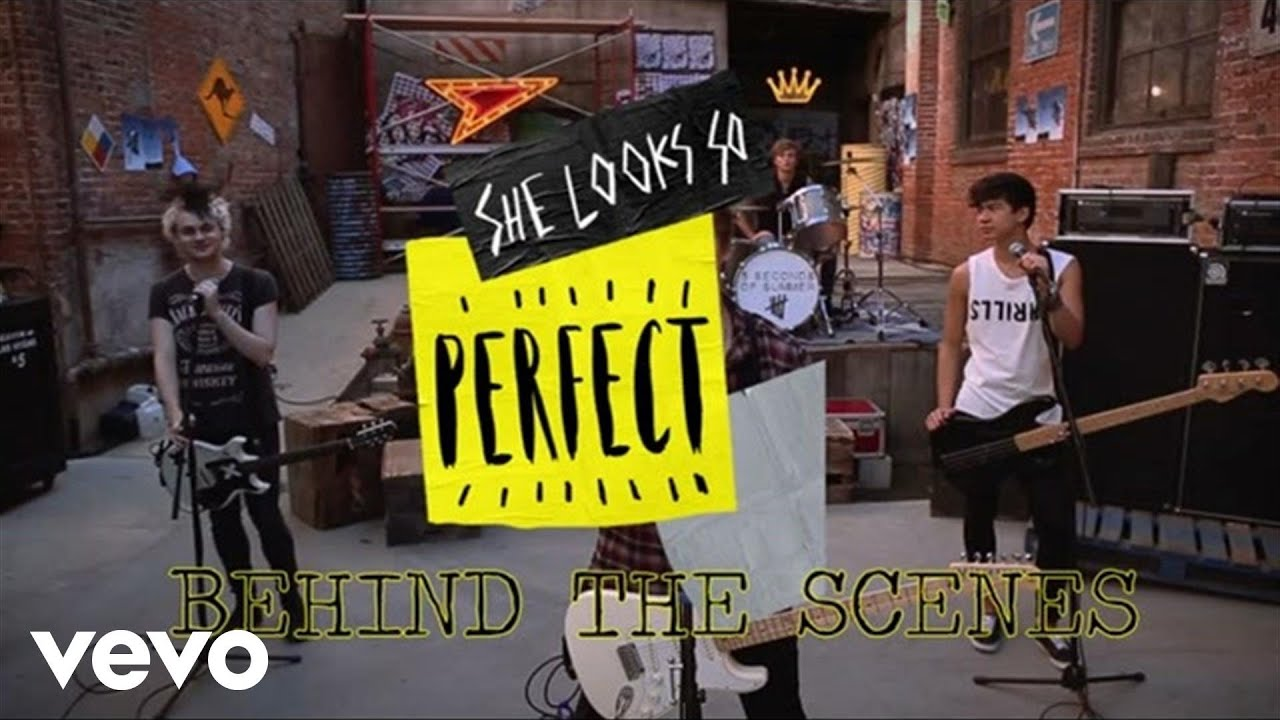 5 Seconds of Summer - She Looks So Perfect (Behind The Scenes)