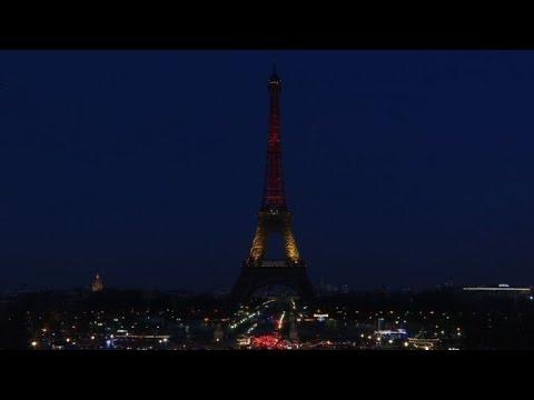 La Tour Eiffel Aux Couleurs De La Belgique
