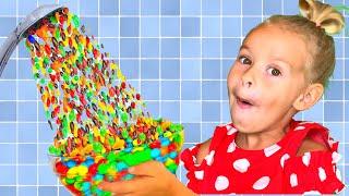 Ева хочет конфеты или Волшебный душ из m&m's / Pretend play Hand Shower m&ms شفا والدش السحري