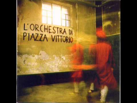 L'Orchestra di Piazza Vittorio    Sahara Blues