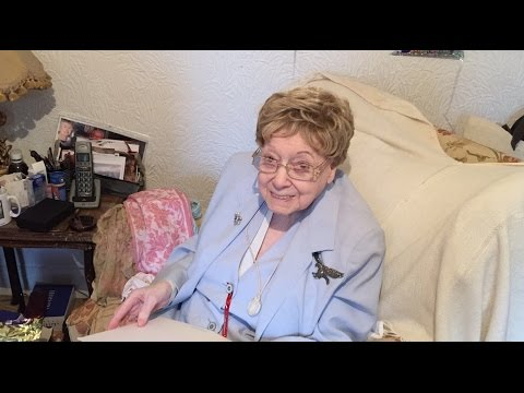 a 100th birthday card from her majesty the queen to mrs edith hawkes youtube