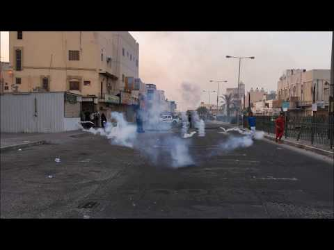 Bahrain : Riot Police Attack Protesters Front Their Station Heavily With Multiple Tear Gases