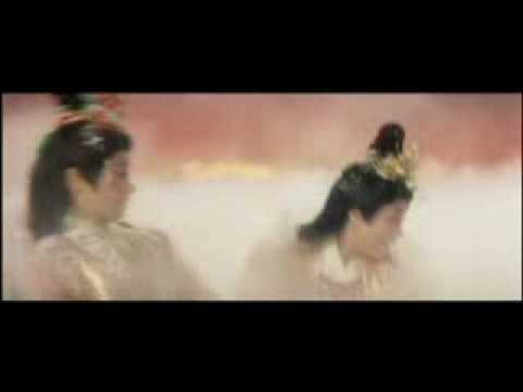 Misora Hibari & Eri Chiemi In Orishidori Senryogasa (clip 1)