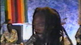 Thomas Mapfumo & the Blacks Unlimited - Zimbabwe-Mozambique (video ZBC)