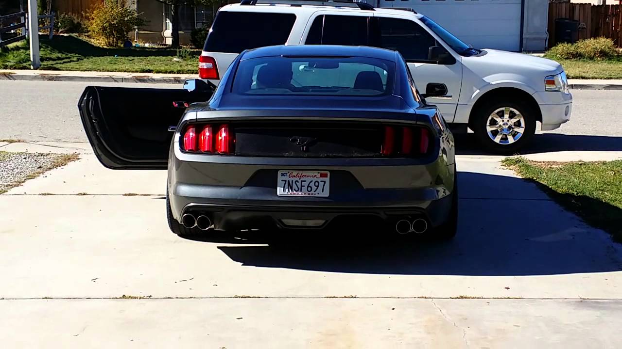 2016 Mustang V6 Exhaust >> 2016 Mustang V6 3 7 Custom Quad Tip Axle Back Youtube