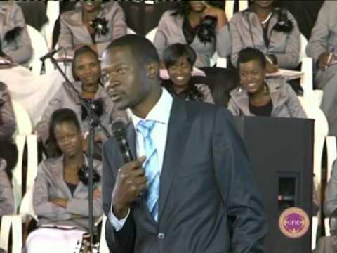 Prophet Makandiwa making you laugh!!! -- Mabhande kuwanda.