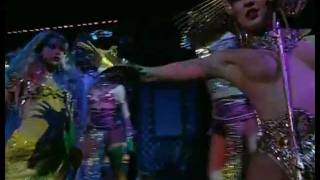 видео Шоу и билеты в Мулен Руж