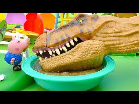 Прыгаем по грязным лужам на детской площадке. История о Динозавре и игрушках