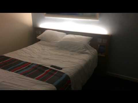 Travelodge Gatwick Airport Central.  Room Review Of Room 434