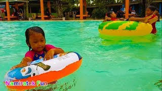 Video balita belajar berenang di Kolam Renang Anak | Fun Kids Learn Swimming Underwater in Swimming Pool download MP3, 3GP, MP4, WEBM, AVI, FLV Maret 2018
