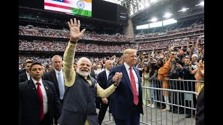 PM Modi-Donald Trump bonhomie steals the show at Howdy Modi event