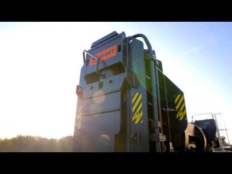 LEFORT Scrap metal shear baler 1000T on tracks crushing a row of cars !