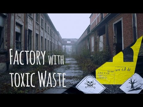 Huge abandoned Factory found hazardous waste / Lost Places urbex Italy