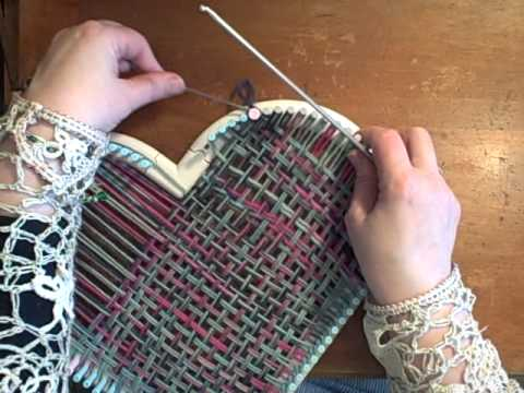 How to weave a heart on the martha stewart loom by noreen for Martha stewart crafts knit weave loom kit