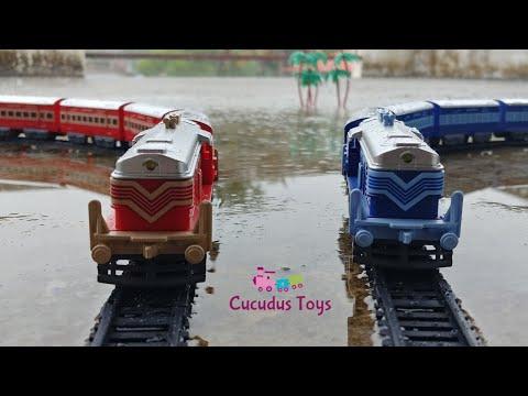 Centy toy trains on parallel tracks rajadhani vs shan-e-punjab  | epic train crossing in heavy rain