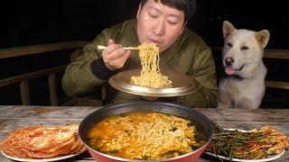 오동통통 너구리 라면과 맛있는 김치~ (Neoguri …