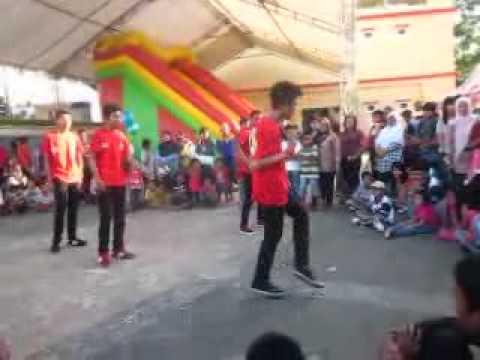 rolling squad shuffle balikpapan @dome honda kompetisi shuffle dance