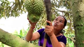 Primitive Technology -  found durian by woman  -   eating delicious #05