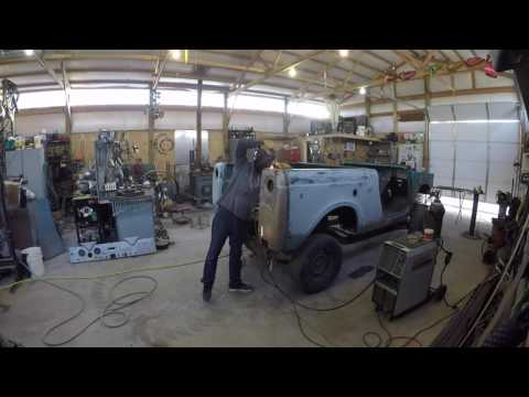 Rebuilding a 1962 International Harvester Scout......Hillbilly Style!