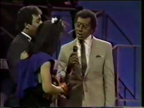 Dennis Edwards with Siedah Garrett   Don't Look Any Further  Soul Train 1984