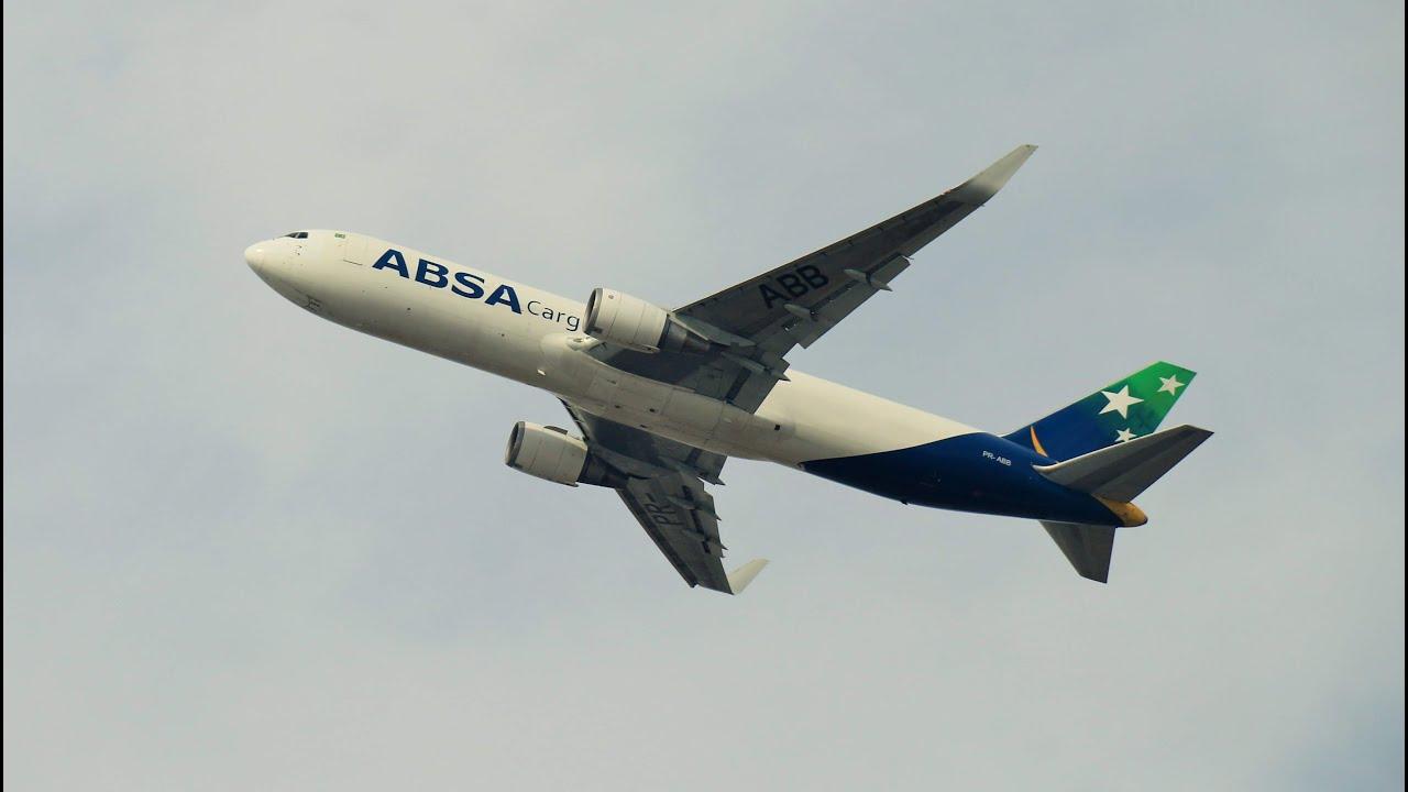 Dez Aviões de grande porte na decolagem em Guarulhos