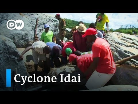 Cyclone Idai: Race to rescue victims still underway in Zimbabwe   DW News