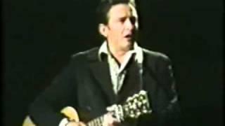 Johnny Cash - I Saw A Man