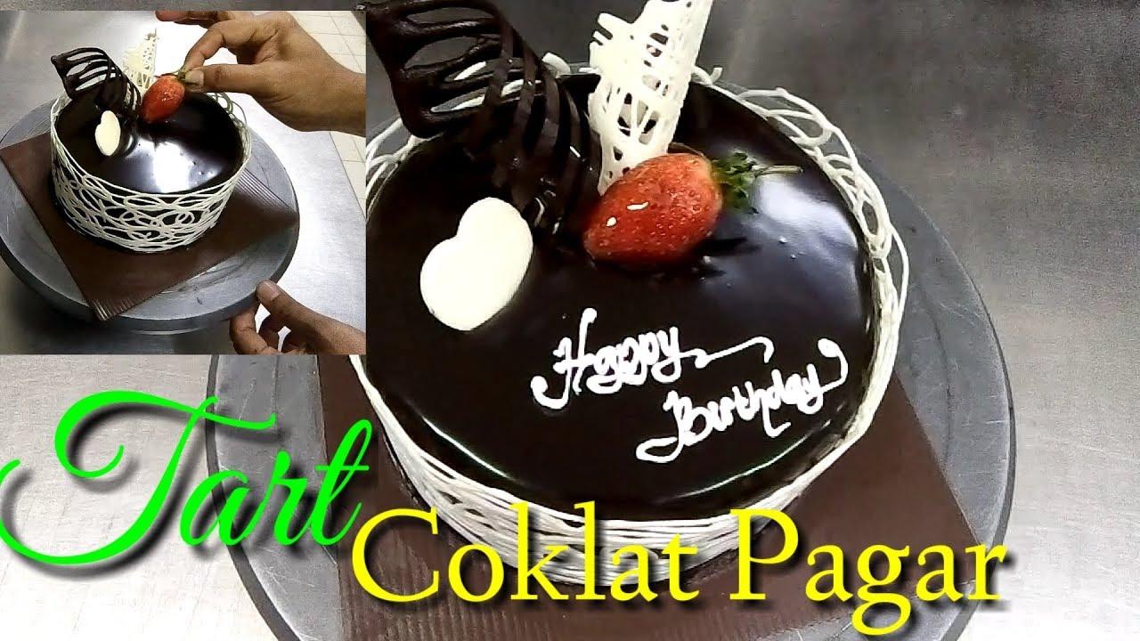 Cara Menghias Kue Tart Dengan Pagar Coklat