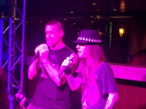 Jeff Waters (ANNIHILATOR) and Alexi Laiho (CHILDREN OF BODOM) karaoke Judas Priest