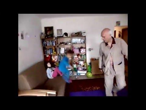Janusz Korwin Mikke & Gospel - Hyc o podłogę
