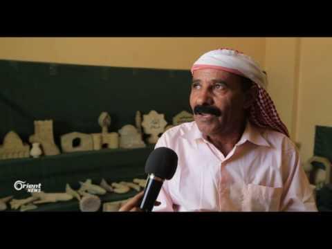 فنان يمني يبرز جمالية التراث اليمني من خلال النحت على الحجر  - 14:20-2017 / 5 / 26