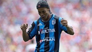 Ronaldinho still in form | Роналдиньо все еще может