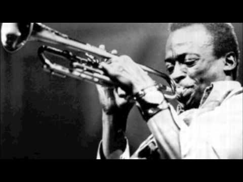 Miles Davis & Charlie Parker  |  A Night In Tunisia