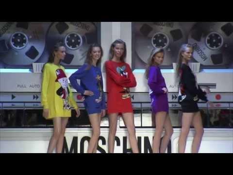 Moschino Fall/Winter 2015-2016 Fashion Show