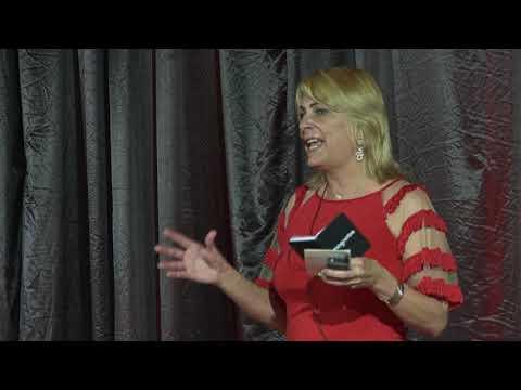 6 dicas de uma trans para uma sociedade cis-hetero-normativa   Maite Schneider   TEDxFloripa