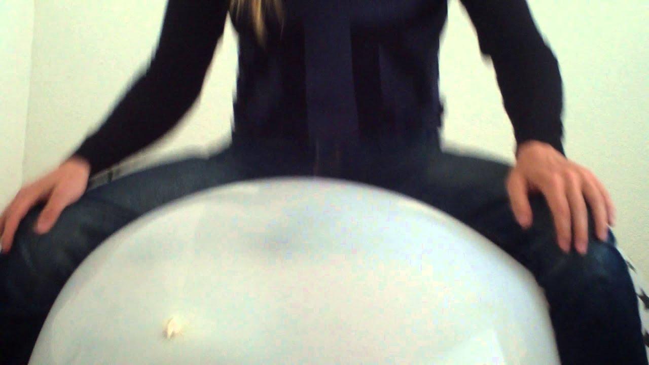 Sit Pop Balloon: Sit Pop Big White Balloon