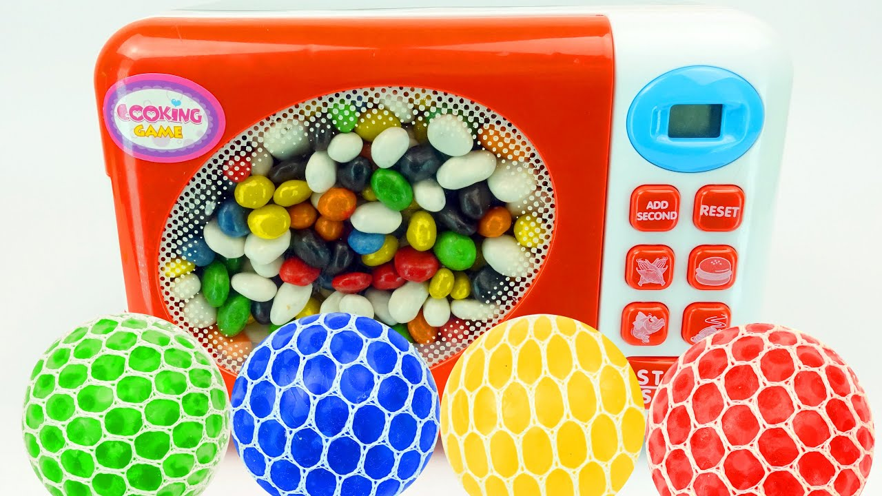 Learn colors with Microwave & Surprise Egg Toy Cars