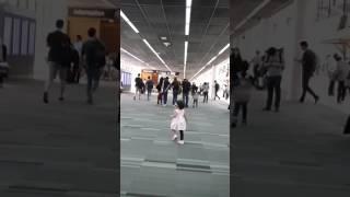 turis cantik terdampar di bandara donmuoang bangkok