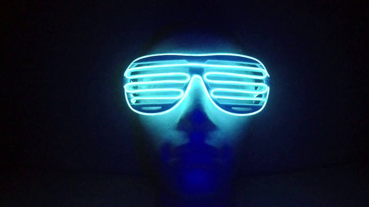 462cdb2068 Flashing grille glasses - White (www.cool-mania.com) - YouTube