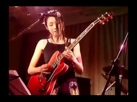 hottest-female-blues-guitarist-in-the-world!-asian-girl-kills-it!-[hd]-2015