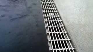 Наглядный пример работы водоотводных лотков