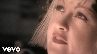 Смотреть клип Cyndi Lauper - Sally's Pigeons