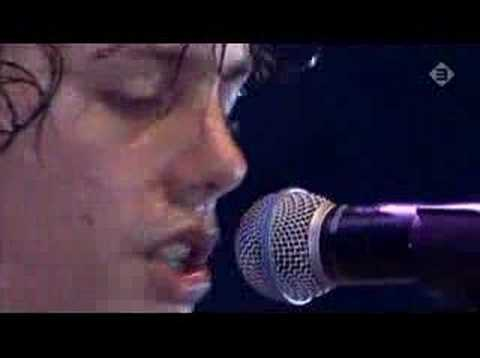 Lowlands 2006 Johnny Borrell  Before I fall to pieces