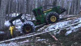 948L John Deere Pulling up a 47% slope
