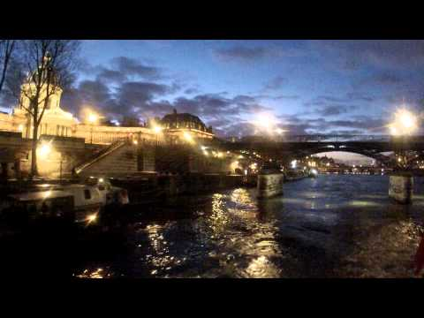 Paris vu du bateau-mouche