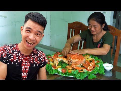 PHD   Thách Mẹ Ăn Cua Hoàng Đế 7 Triệu Trong Vòng 10 Phút   Challenge Mom To Eat Alaska King Crab