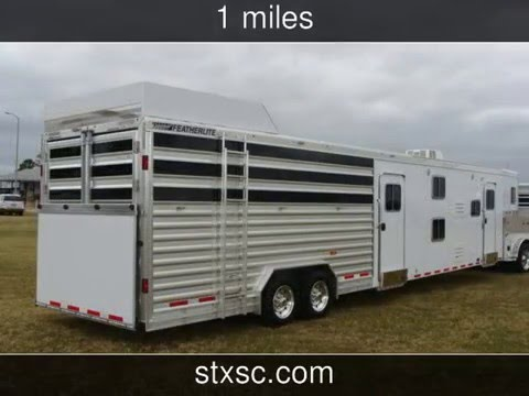 2016 Featherlite Horse Cattle Trailer With Living Quarters Bunk