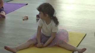 Гимнастика, растяжка для малышей #дети #первый год обучения #miss Kate #Gymnastic 2