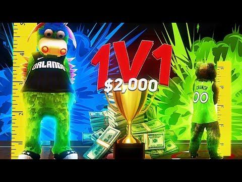 """5'7"""" MASCOT vs 7'7"""" MASCOT ON 1V1 COURT - $2,000 1V1 LEGEND WAGER ON NBA2K20!"""