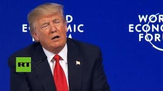 El público abuchea a Donald Trump en Davos (SUBTITULADO)